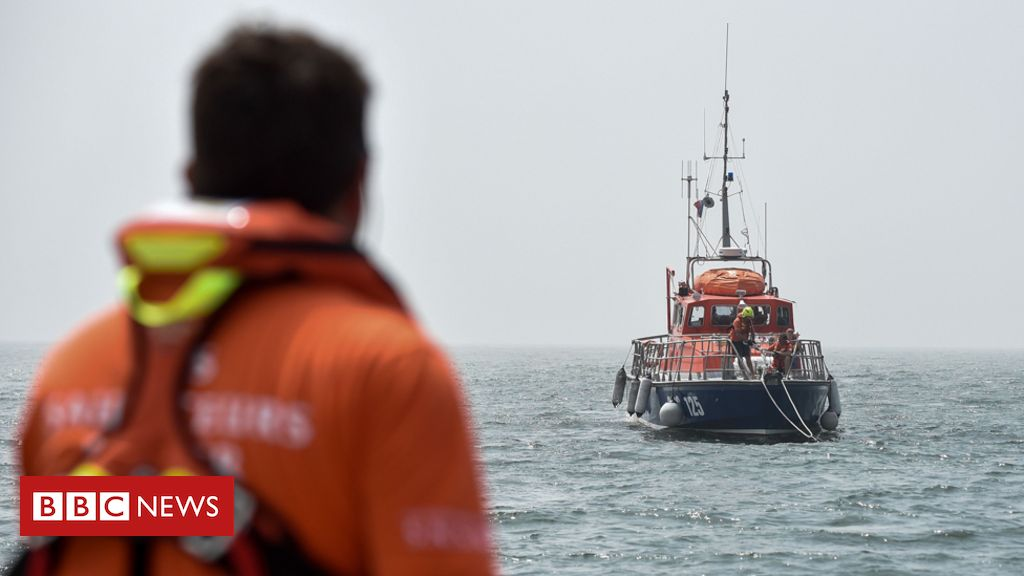 Three French kids die after wave strikes boat in Channel