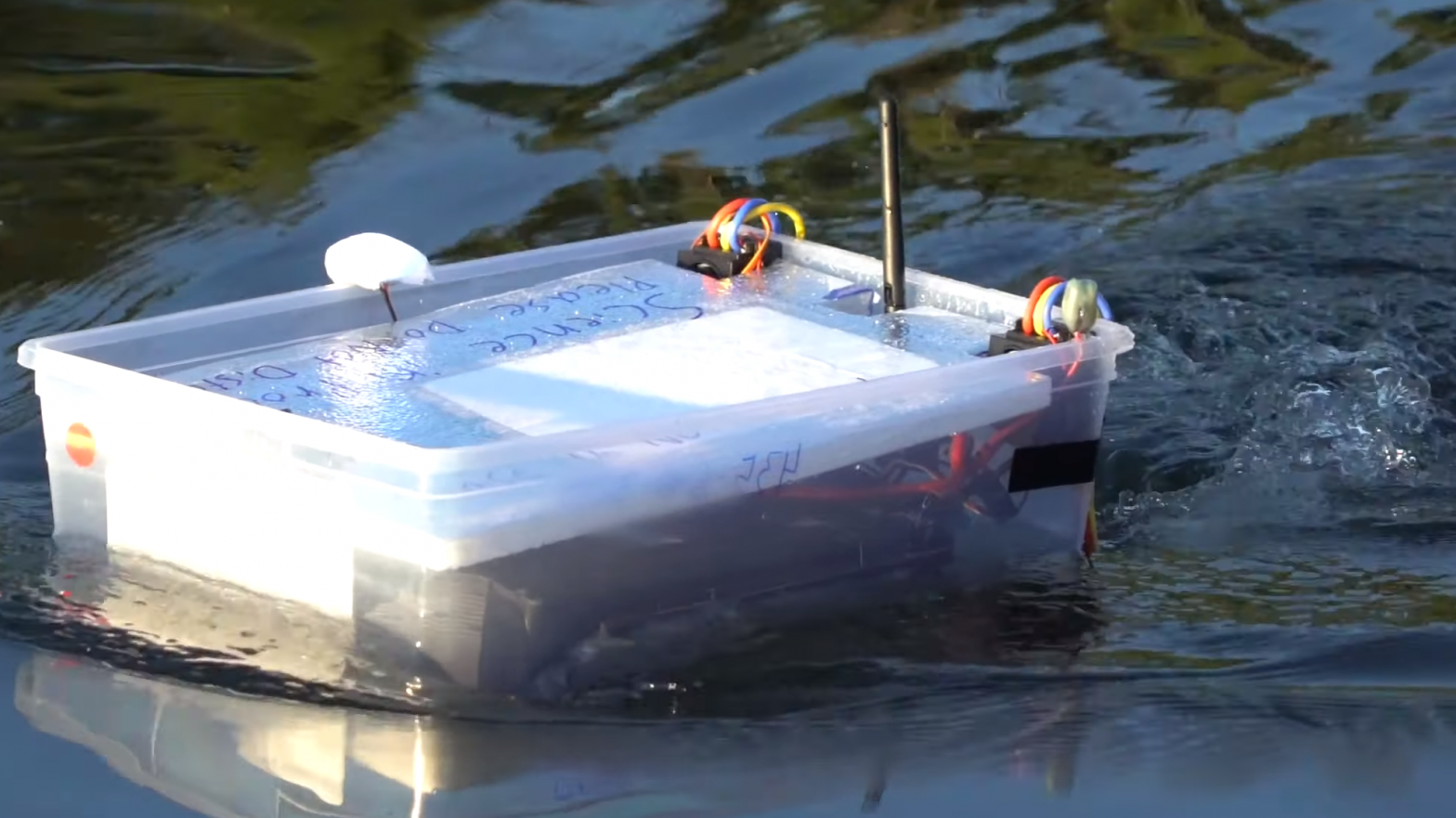 ArduRover Boat Uses Tupperware To Drift